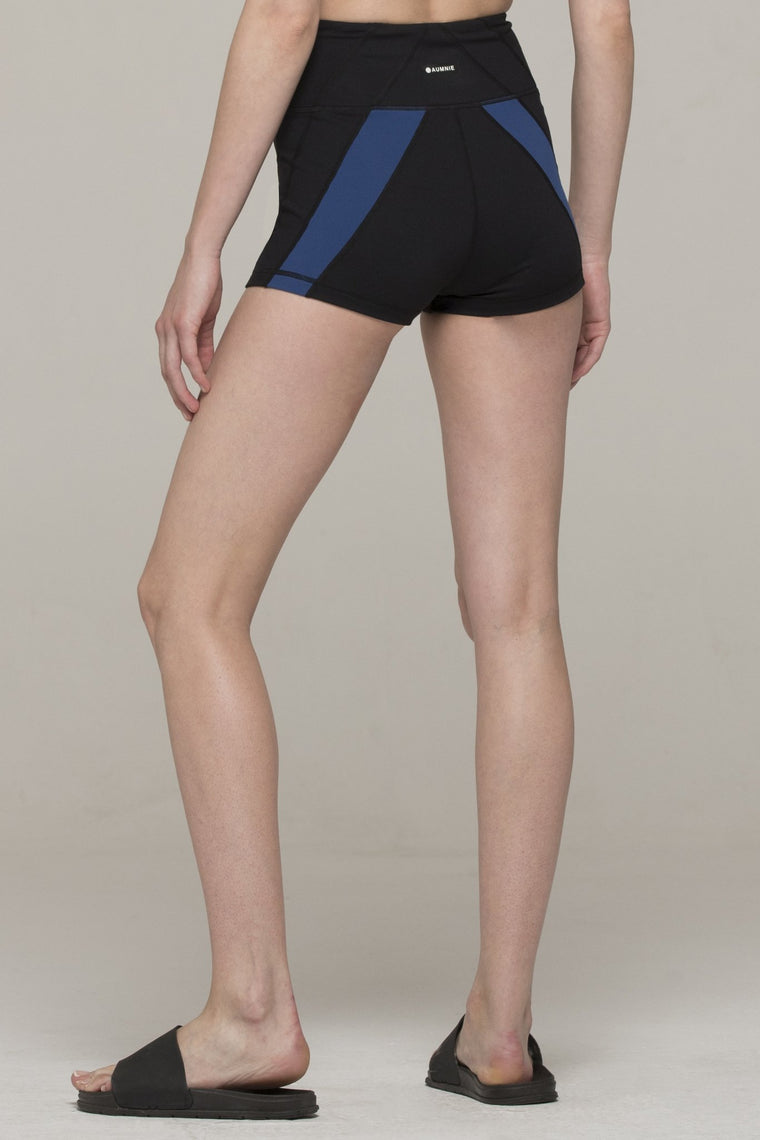INERTIA SHORTS, BLACK/ATLANTIC