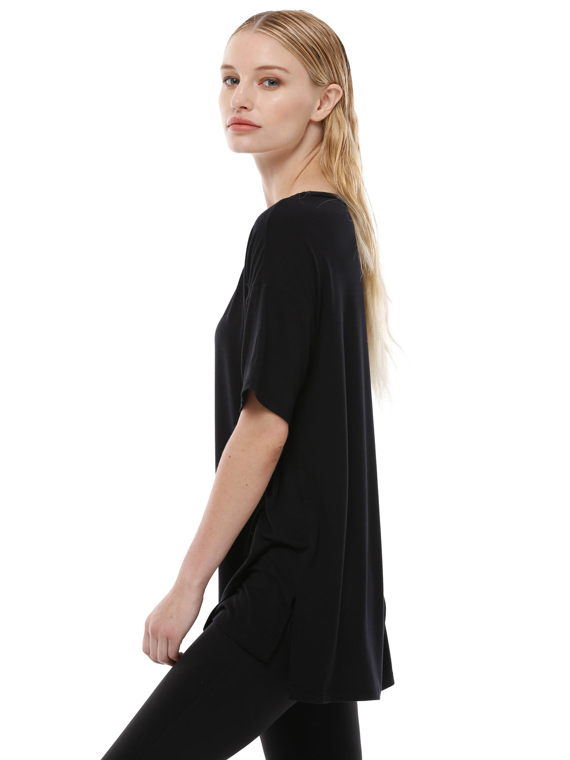 OVERSIZED BOYFRIEND TEE, BLACK