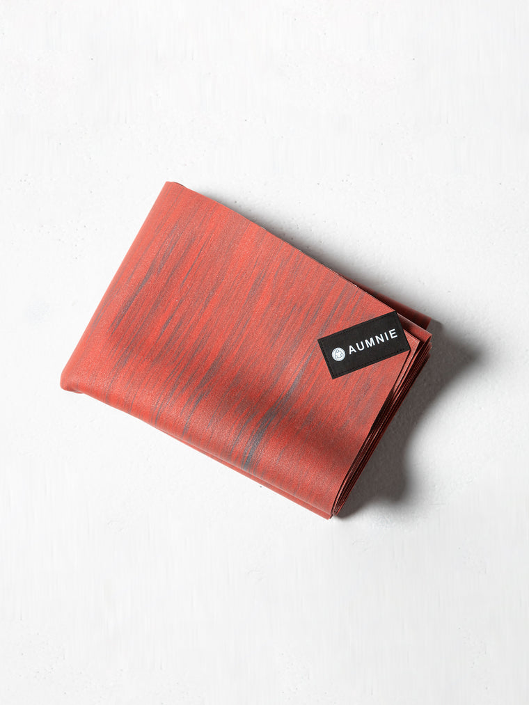 M@ TRANSCENDENCE, FOLDABLE TRAVEL MAT, RED/BLACK MARBLE