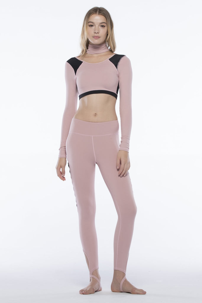 CHORUS CROPPED TOP, BLUSH/BLACK