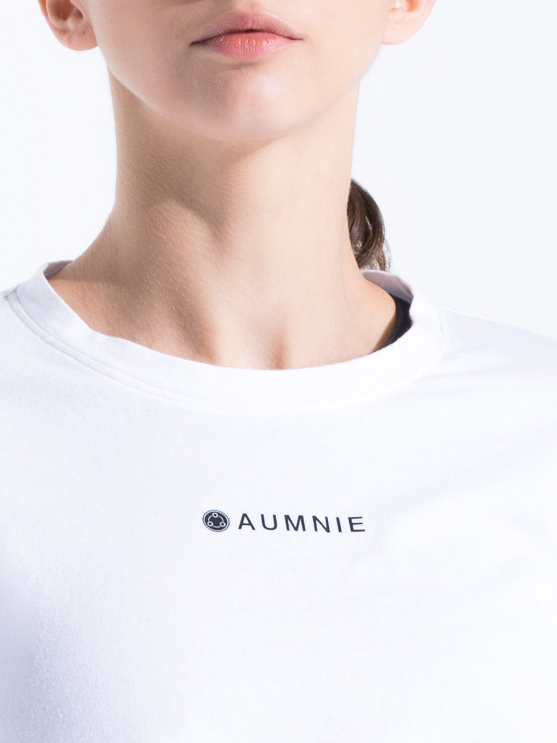 HIGH CROPPED LOGO TEE, WHITE