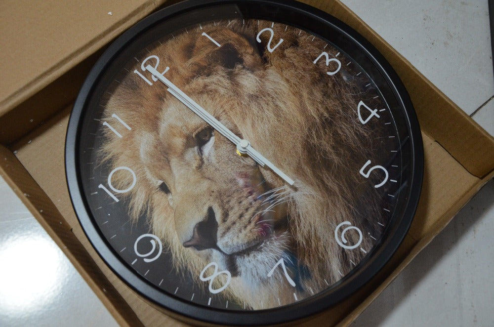 Lifelike Lion Head High Definition Print Black Frame Quartz Wall Clock