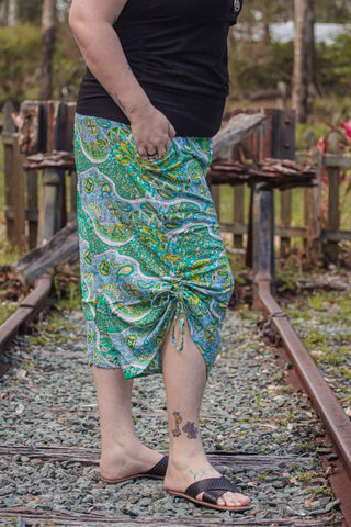 Green paisley 3/4 boho maternity pants - Bohemama | Breastfeeding and Maternity Clothing