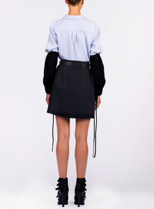 BELTED SHORT PLEAT SKIRT