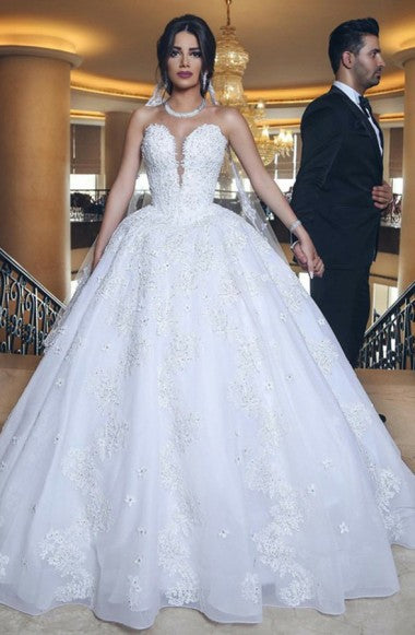 Ball Gown Sweetheart Court Train White Tulle Wedding Dress with Appliques Beading AHC571