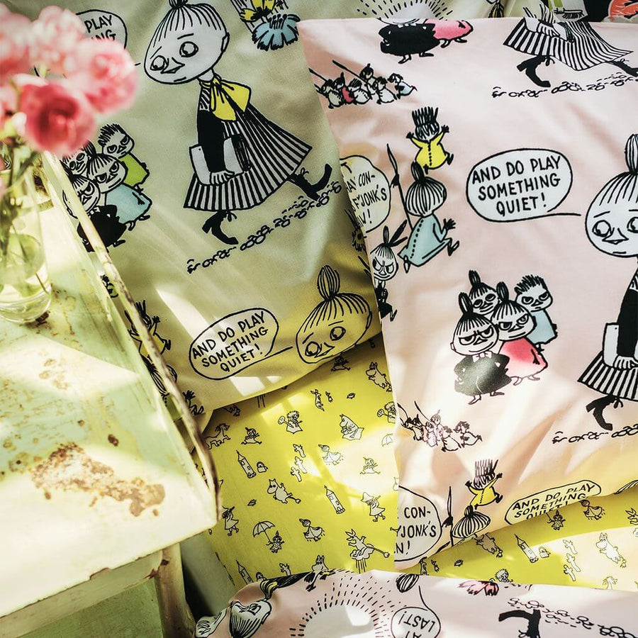 Moomin Friends Yellow - Flat Cot Sheet by Finlayson
