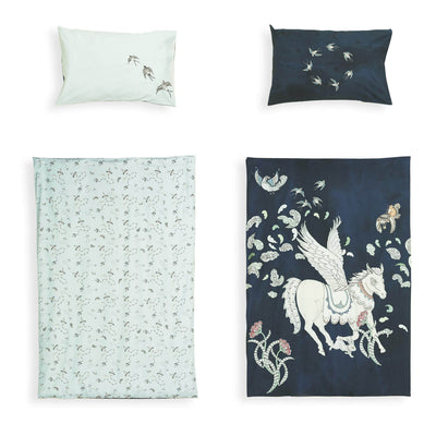 Giant Pegasus & Dayland Kite - Reversible Cot / Single Doona Cover Set by Forivor