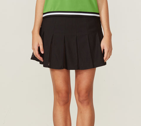 pleated skirt with inner mesh details
