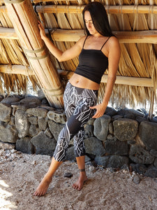 Capri Black Kalo Leggings