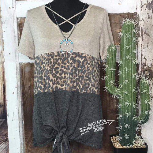 Leopard print top crisscross V neck - Tee Shirt