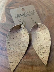 NATURAL CORK PINCHED LEAF EARRINGS