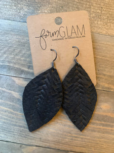 BLACK BRAIDED LEATHER EARRINGS