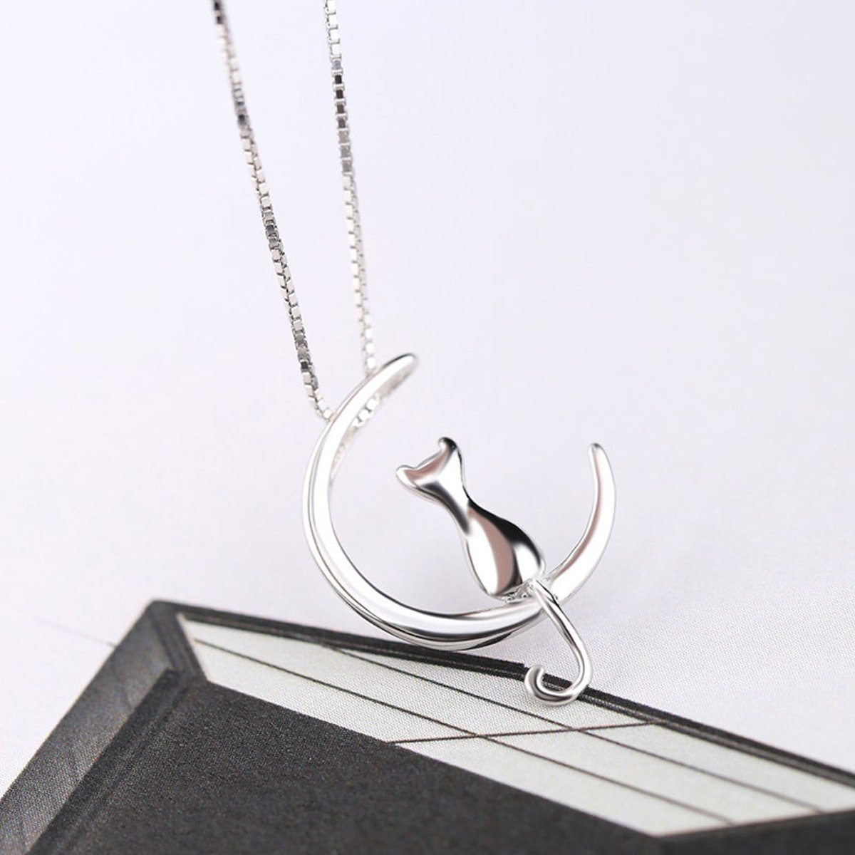 The Stylopedia necklace Cat Moon Pendant Necklace