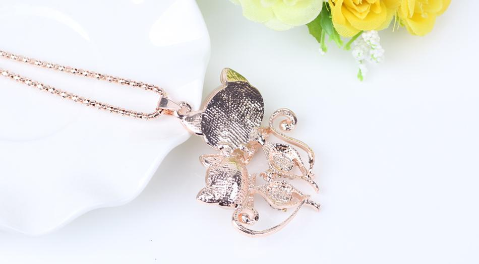 The Stylopedia necklace Twin Cat Pendant Necklace