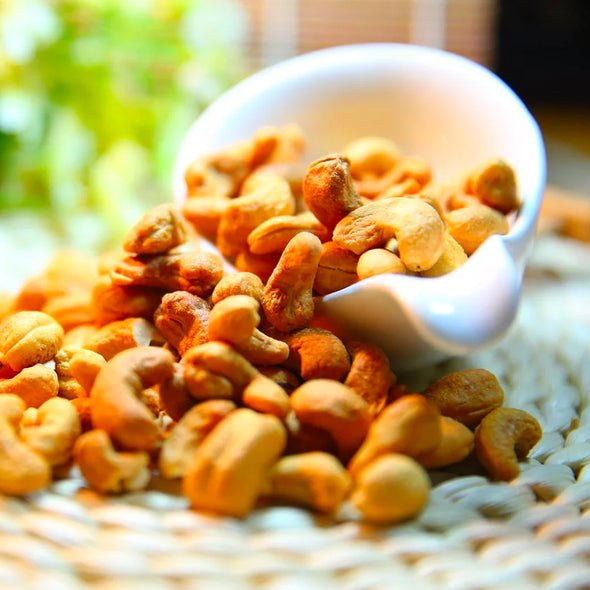 CASHEWS - ROASTED & SALTED