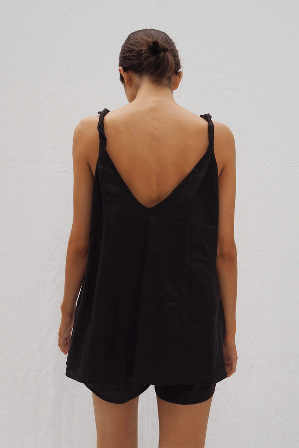 UNIK by us Burns Sleeveless Linen Top in Black
