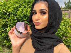 @zohralahib influencer photo with Pretty Glossy Magic Hair Rescue masque