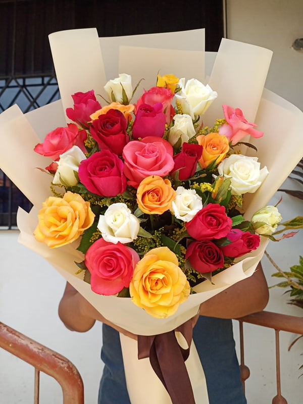 12pcs 4 Mix Colored Roses in a bouquet
