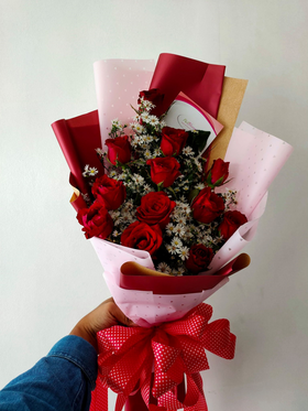 1 Doz Red Roses in a Bouquet
