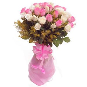 18 pcs Pink & White Roses in a Bouquet