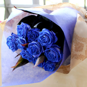 1 dozen Blue Rose in a Bouquet
