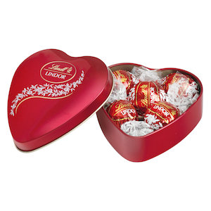 Lindt Heartshape 8pcs in a box
