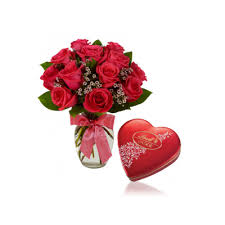 1 Dozen Pink Roses in a Vase with Lindt Heartshape
