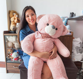 Beautiful 3ft Pink Bear