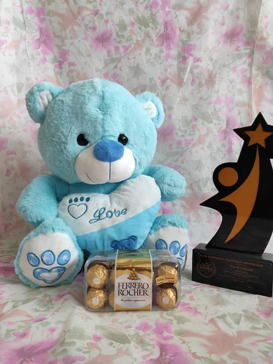 Philblossoms Blue 16inhces Bear wth 16pcs Fererro Chocolates