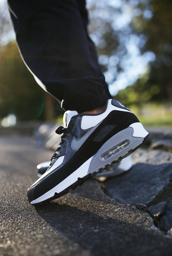nike air max 90 lx afterpay