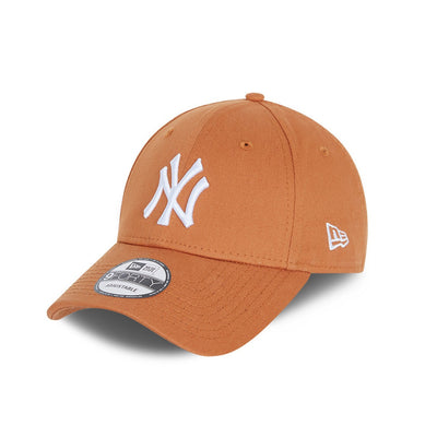 NY Yankees Essential Brown