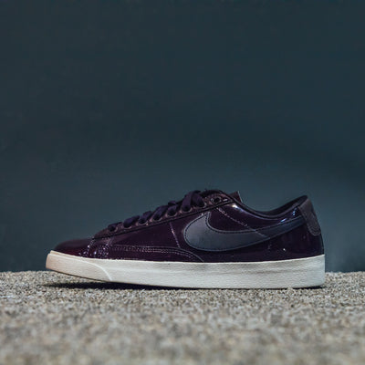 W BLAZER LOW SE PRM PORT WINE/SPACE BLUE-LT OREWOOD BRN