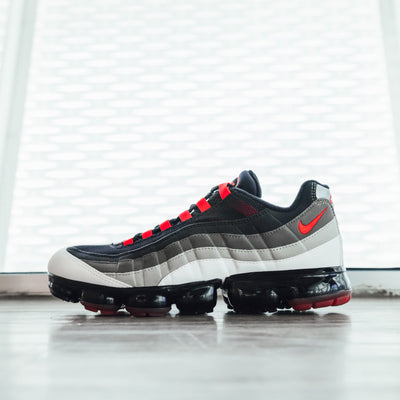 Air VaporMax 95 'Hot Red'