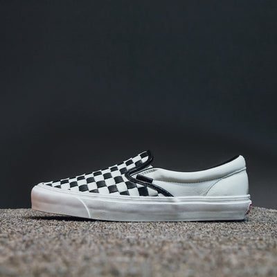 CLASSIC SLIP-ON (WOVEN LEATHER)