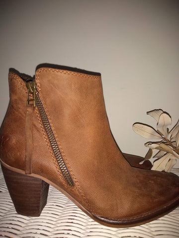 Windsor Smith Leather Zippered Ankle Boots
