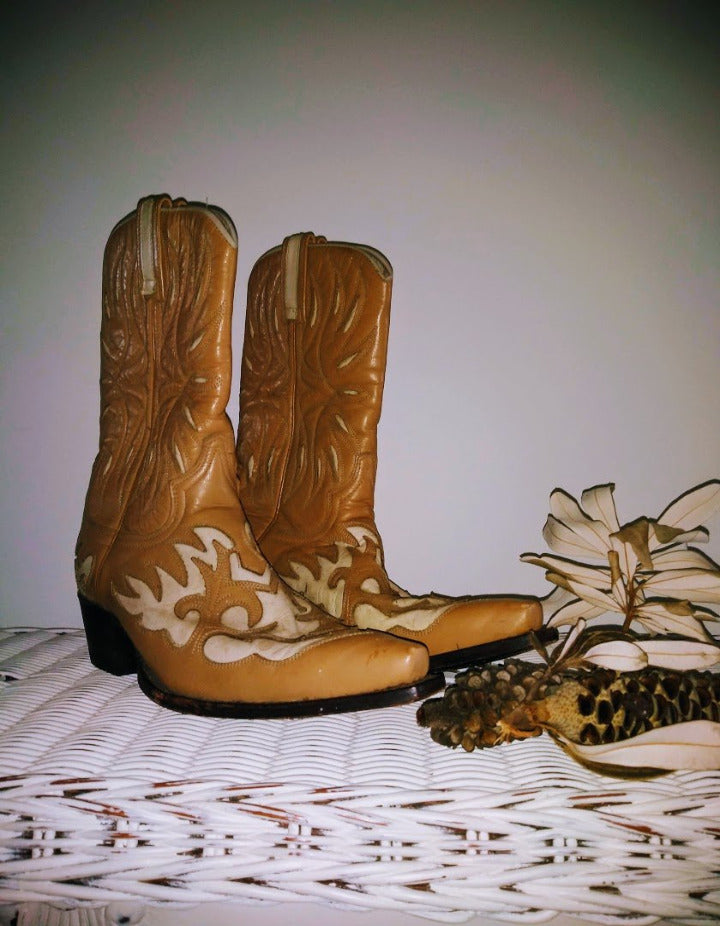R SOLES Vintage Cowgirl Boots by Wild Hunai
