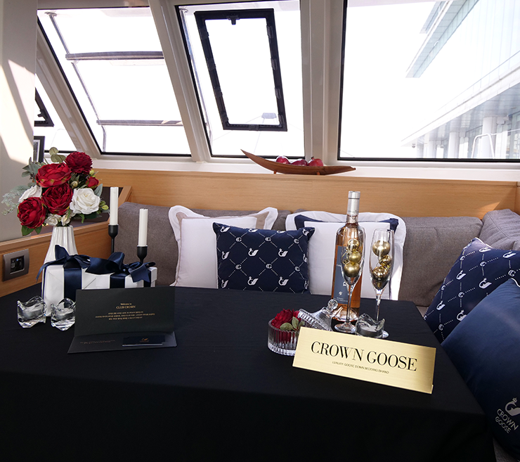 CLUB CROWN VIP LUXURY YACHT PARTY
