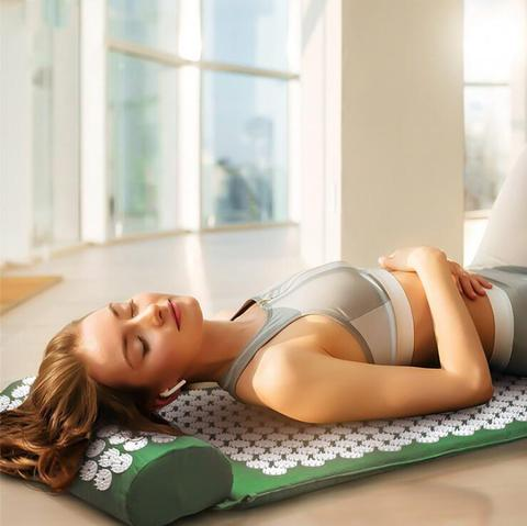 YogaZen Acupressure Mat and Pillow | ADOGADGETS