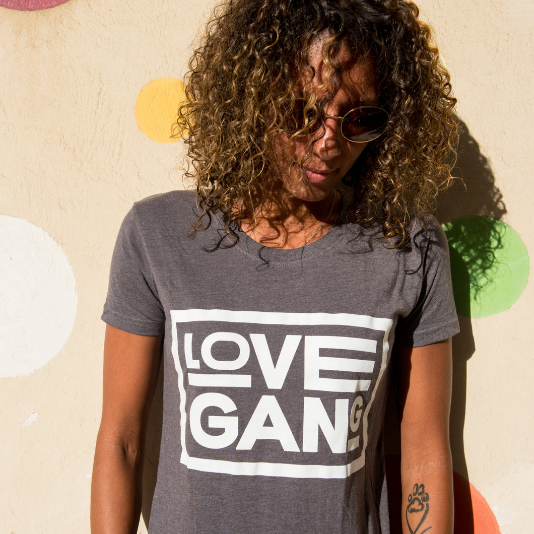 Recycled clothing, recycled polyester, ethical clothing, sustainable clothing,  vegan clothing, save the planet, vegan, vegan slogan, love gang store, love gang. vegan tee, vegan slogan tee.  maglietta vegana etica sostenibile: camiseta  vegano ético y sostenible. Vegan gift ideas. sustainable gift.