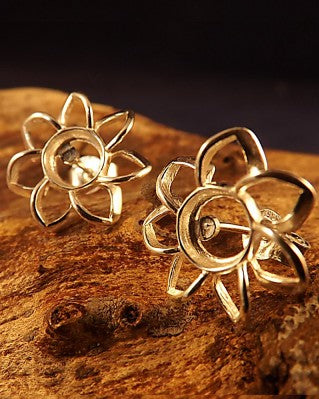 Stunning Flower Earring Mount For 6mm Stone