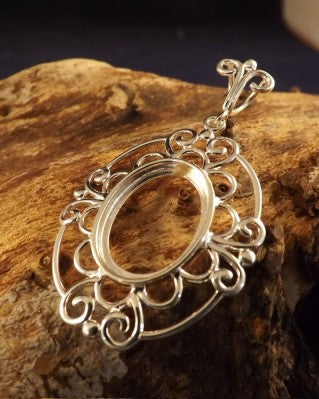 Elegant Pendant Mount For 18x13 Cabochon
