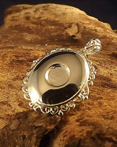 Oval Locket Pendant With Lovely Frill Edge For 6mm stone