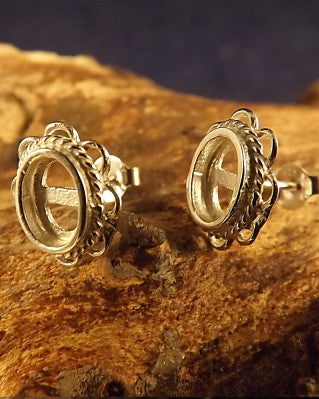 Frill Edge Silver Stud Earring To Fit Cabochons.