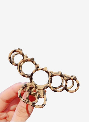 Open image in slideshow, Leopard Metal Hair Claw - Hoops