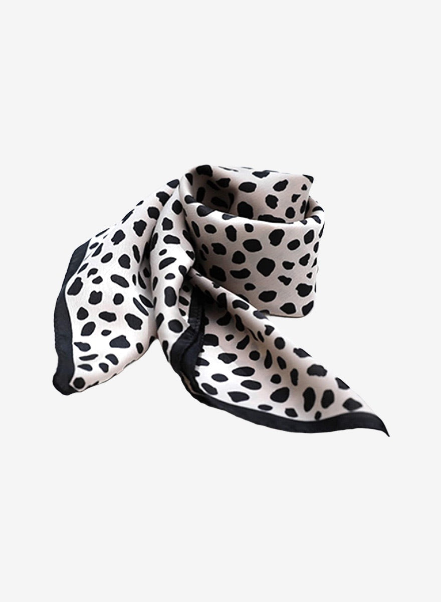 Chica Cheetah Silk Neck Scarf - Black/Silver