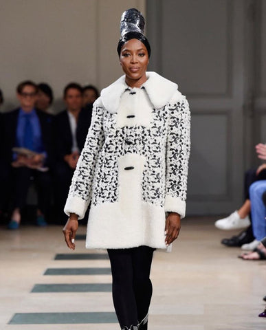 Wrap up warm – Naomi Campbell in Azzedine Alaia from en.vogue.me