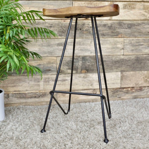 A great looking bar stool made of iron and sheesham wood.