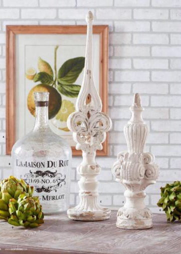 "20"" Distressed White Tabletop Finial"