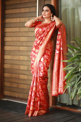 ▶️ Red Color Banarasi Weaving Contrast Border Saree