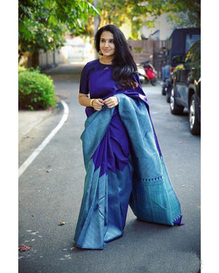 Bluecolor Beautiful Rich Pallu & Jacquard Work On All Over The Saree